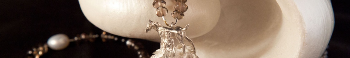 Murano-Glasperle mit Pferd und Mädchen